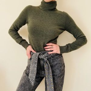 NWT French connection olive turtleneck